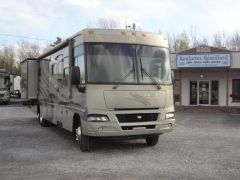 Winnebago Adventurer 37B